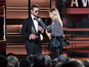 Eric-Church-Faith-Hill-Tie-CMA.jpg
